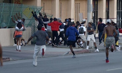 Sharpton's Trayvon Protesters Vs Texas Stand Your Ground Supporters On July 20 (Video)